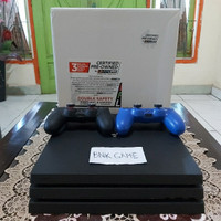 PS4 PRO 1TB CUH-7200B + 2 STIK + SILICONE STIK & THUMB GRIP ANALOG