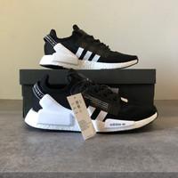 Sepatu Cowok - ADIDAS NMD_R1.V2 - Black White - 43