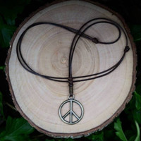 Kalung liontin monel bandul peace necklace accessories pria ready