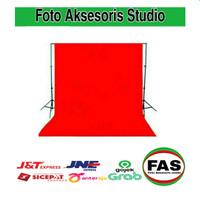 Background foto warna merah 2,5 x 3 m
