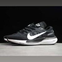 Sepatu Nike Zoom Vomero 15 Black White