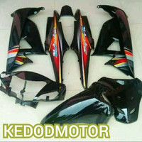 Cover Full Set Body Halus Supra Fit - Fit X New Hitam + Striping