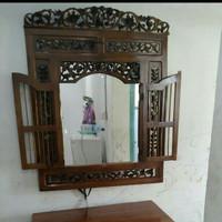 frem kaca cermin krepyak diding ukir dari kayu jatu