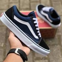 sepatu vans biru navy