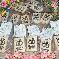 Souvenir Cendramata Pernikahan / Wedding Gantungan Kunci Kayu custom