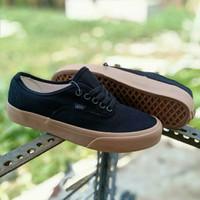 sepatu vans authentic hitam gum