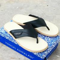 sandal yongki komaladi ori
