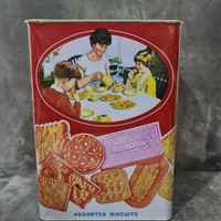 Khong Guan Kaleng Biskuit 1,6kg / Biscuit Kong Guan Assorted 1600g