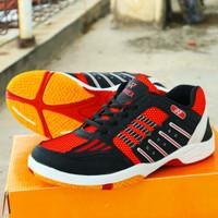 sepatu badminton yonex merah