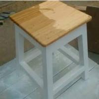 bangku kotak bahan kayu jati Belanda atas natural kaki cat putih Duco