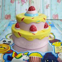 Squishy Licensed Strawberry Birthday Tart by Vlampo