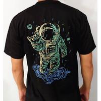 Baju Kaos Distro Impor Pria - Hitam Slim Fit Design Astronot