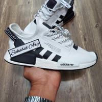 Sepatu Adidas NMD R1 V2 Runner White Black