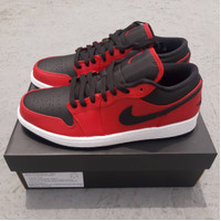 nike air jordan 1 low black red banned