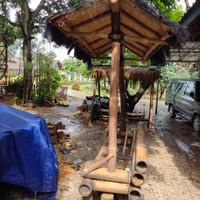Gasebo bangku bambu klasik