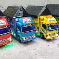 Mainan Truk Kayu - Tanpa Lampu