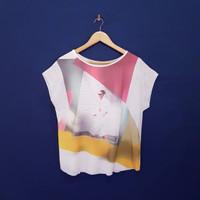 Blus Size L Lengan Pendek Putih Gambar Wanita Adem Jatuh KP210