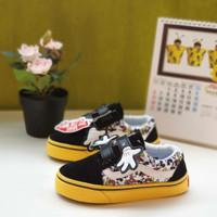 sepatu sneakers anak balita laki laki perempuan vans oldskool mickey