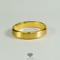 Wedding ring pria polos emas kuning 18k (75%) pesanan Mellie