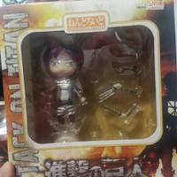 Action Figure Nendoroid Attack On Titan Levi n Eren 1 Set
