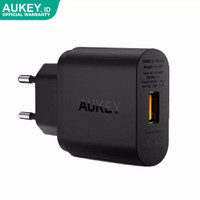 Charger Aukey PA-U28 USB with Quick Charge 2.0 Hitam