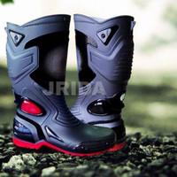 Sepatu Boots Anti air AP Moto 3 / Sepatu Boot Karet AntiLicin AP Moto3