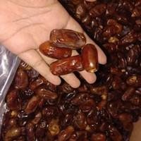 kurma madinah emirat gold (1kg)/kurma madinah termurah