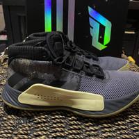 Sepatu Basket DAME 5 Original Adidas - 9UK
