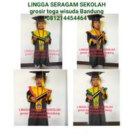 Baju Toga Wisuda TK PAUD ready stock plus medali