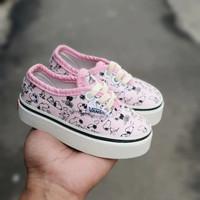 sepatu sneakers anak perempuan 1 tahun vans autentic snopy