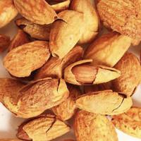 Kacang Almond kulit