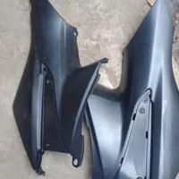 Sambungan body depan cover tangki Honda Supra fit new