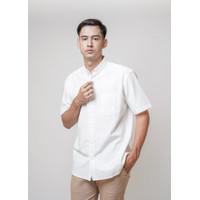 Kemeja Pria Erigo Short Shirt Caerwyn Katun White