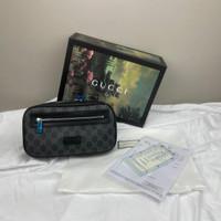 TAS GUCCI WAIST BAG SOFT GG SUPREME BELT BAG - BLACK