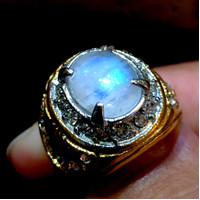 Cincin Batu Mulia Biduri Bulan Air Laut Crystal