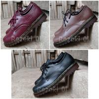 Sepatu Docmart Low Boost High Sepatu Dr. Martens