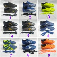 sepatu futsal anak Nike