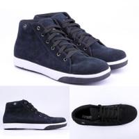 Sepatu Sneaker Boot Hitam Tinggi Vans Original - TF 087