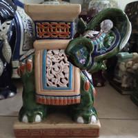 Guci Gajah Keramik Porcelain Oriental T 25cm / Barang Antik Tua Kuno
