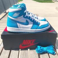Sepatu Nike Air Jordan 1 Mid UNC