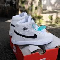 Nike ar jordan 1 mid black white ( sepatu nike / sepatu tinggi )