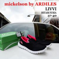 Sepatu Slip On Wanita AMS-LIVVI Mickelson Ardiles Hitam Fusia