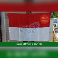bendera merah putih bahan satin ukuran 90 x 135 cm pakai pengait