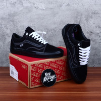 Sepatu Vans Old Skool Pro Skateboarding All Full Black Hitam Glossy