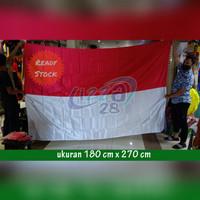 bendera merah putih bahan satin uk 180 x 270 cm pakai pengait