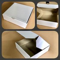 24x24x7 cm box model pizza putih kemasan packaging kaos kemeja baju