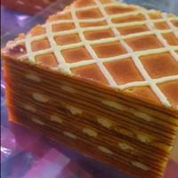 LA FRIDA CAKES Lapis Legit Cream Cheese Layer Cake Keju Khas Pontianak