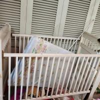 Box Bayi / Ranjang anak kayu shabby chic / putih klasik