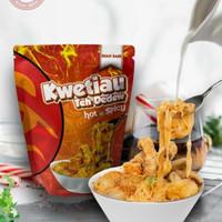 Kwetiau Kuah Kari Hot & Spicy Teh Dedew Baso Aci Khas Bandung