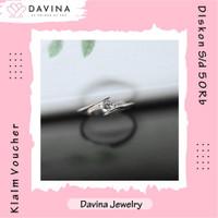 Cincin Wanita DAVINA Lyra Ring Lapis Emas putih 18K White Gold Unik